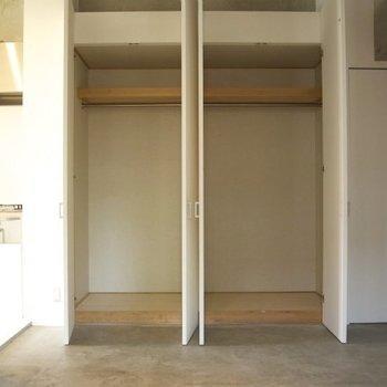 収納などはこちらの土間に※写真は同間取りの別部屋のものです