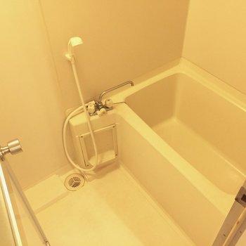 バスルームは最低限の機能で及第点。