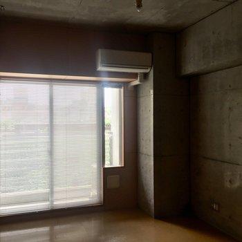 閉めるとこんな感じ。スタイリッシュ!※3階別部屋同間取りの写真です。