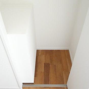 玄関のシューズボックススペースがここにめり込んでます。