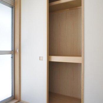 和室にも収納あり。