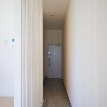 玄関もなかなかの広さですよ♪