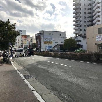 後はこの通り歩いて少し曲がれば西鉄久留米駅!