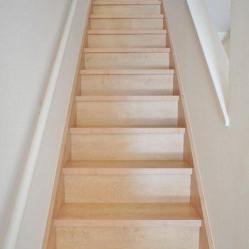お洒落な階段をあがると