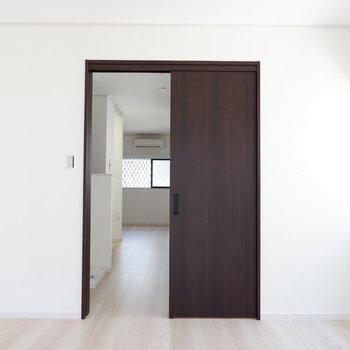 扉で区切ることも可。