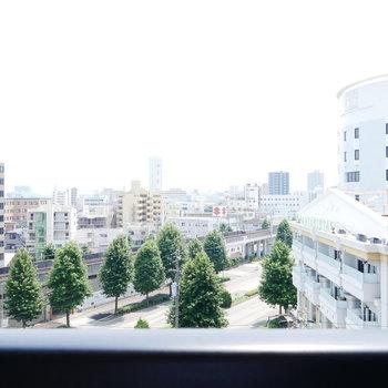 眺望は右側のホテルが気になるくらい