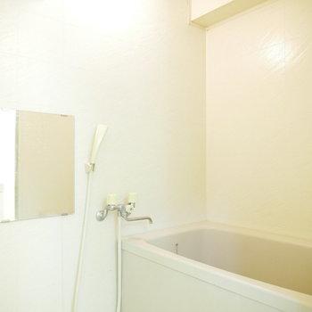 浴室はシンプルできれい