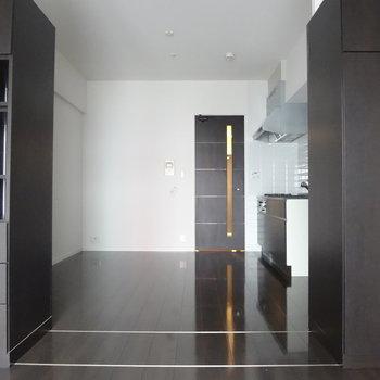 お部屋の雰囲気も違う印象に!※写真は2階の反転間取り別部屋のものです
