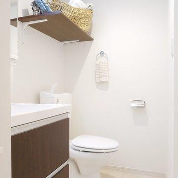 トイレも一緒に脱衣所に。空間を広く使えますね。