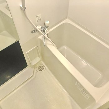 広めの浴槽です