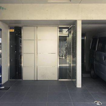 玄関には自販機もありますよ