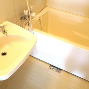お風呂はユニットです