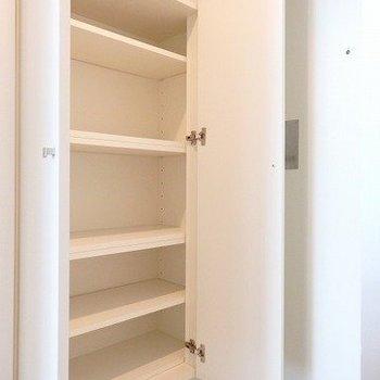 シューズボックスも広め。※3階の同じ間取りの別部屋の写真