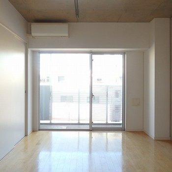 窓が大きくていいですね~!※3階の同じ間取りの別部屋の写真