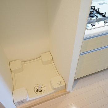 キッチン横に洗濯機を。※4階の同じ間取りの別部屋の写真