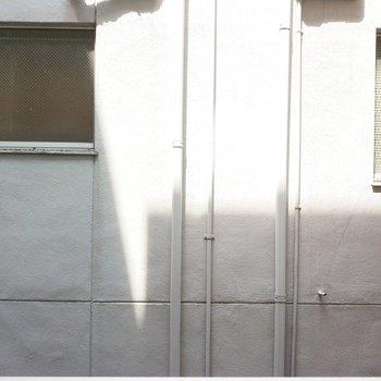眺望はお隣のマンションで、視界は全然気にならなそう。