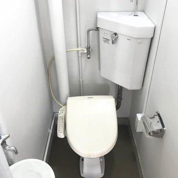 トイレは嬉しいウォシュレット完備◯
