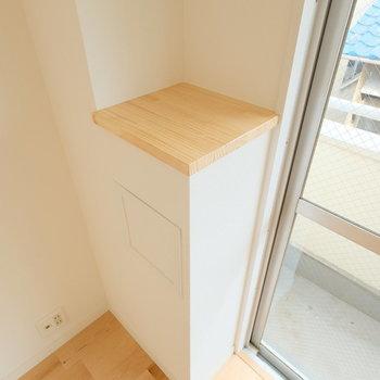 この棚、とってもツボ。かわいい。あなたは何を置きますか?