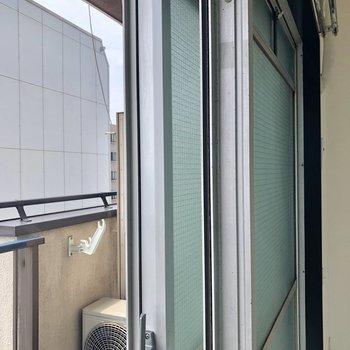 窓はすべて二重ですよ。防音に強い!