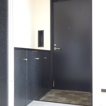 DKと直接繋がる玄関。