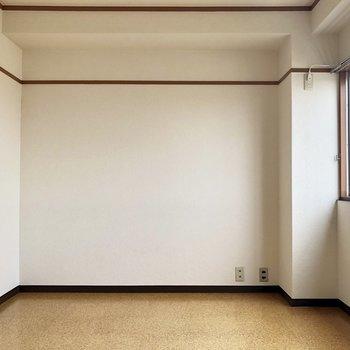 お部屋はシンプル!
