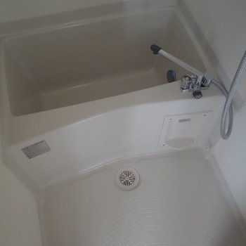 浴室は追炊きついてます。 ※通電前の写真です