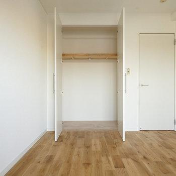 収納もぞれぞれの寝室に大容量です!※同間取り別部屋の写真です。