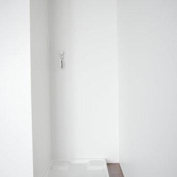 洗濯機はこちらに。 ※2階同間取り別部屋の写真です