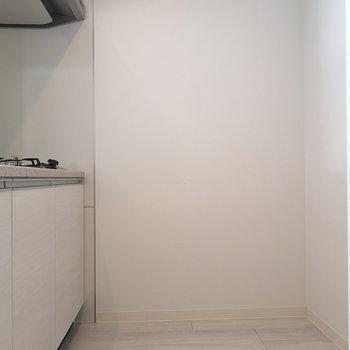 スペース自体も広さあります。冷蔵庫もしっかり置けますね。※写真は4階の同間取り別部屋のものです