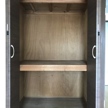 中棚付きなので、ボックスを上手く組み合わせたら収納力が更にUPしそう!