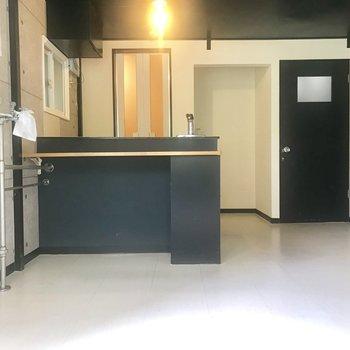 キッチンは黒で!