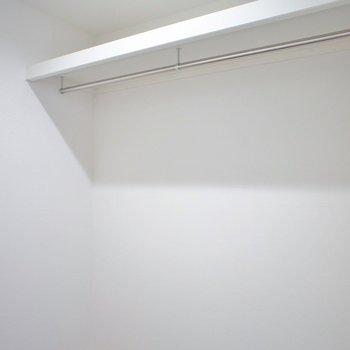 廊下にはウォークインクローゼットが!
