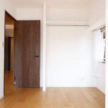 扉のブラウンがいい雰囲気◎