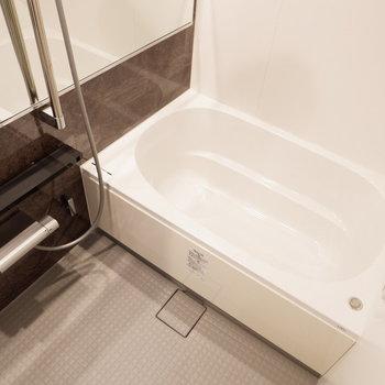 お風呂もゆったりサイズ。