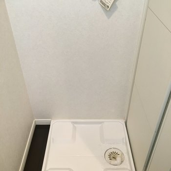 横に洗濯機置けます。(※写真は同じ間取りの10階のお部屋のもの)