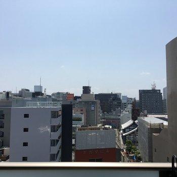 景色はいい感じ!(※写真は10階の別部屋からの眺望です)
