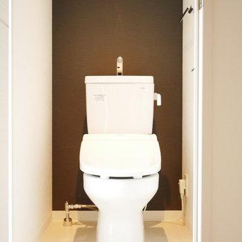 トイレも照明の光がかっこいい