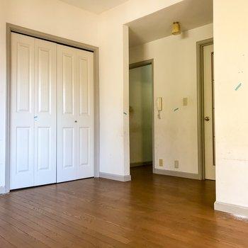 【工事前】リビングから廊下は扉がありません