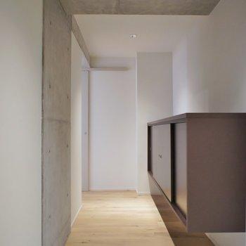 高級感のある玄関スペース。※写真は403号室のもの