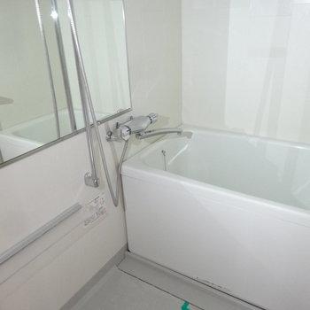 浴室もゆったりとしているんです。※写真は別室です