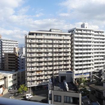 眺望はマンションビューなんです。※写真は別室からの眺望です