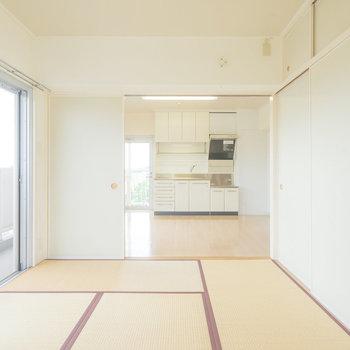 やわらかい色合いの和室&DK