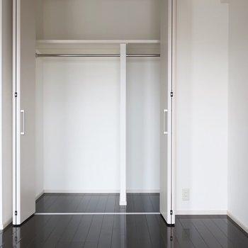 上部の棚もしっかり有効活用しましょうね※写真は11階の同間取り別部屋のものです