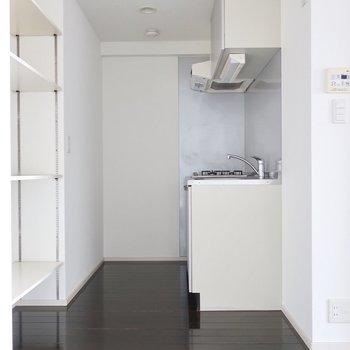 キッチンスペースも雰囲気いいですね※写真は11階の同間取り別部屋のものです