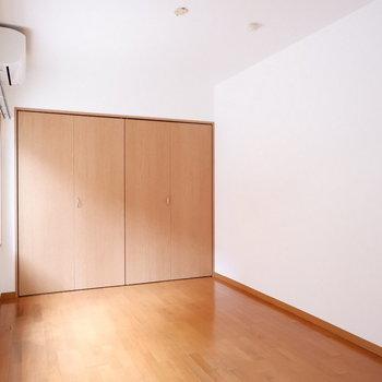 6帖の洋室は寝室、リラックススペースに!
