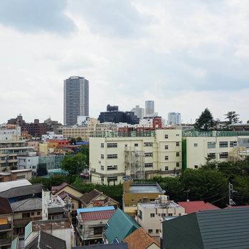 7階からの眺望は開けてます。
