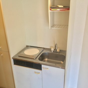 キッチンはIH1口のミニサイズ