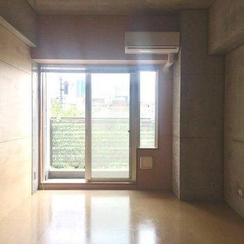 ブラインドカーテンがついています!※3階別部屋同間取りの写真です。