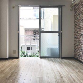 1階だけど明るいでしょ♪ 窓辺にソファベッドなんて置いてみては。