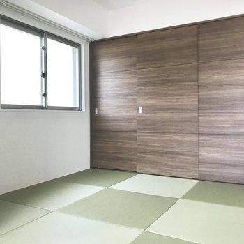 琉球畳がオシャレ〜♪ 窓のおかげで明るさだってしっかり感じられますよ。